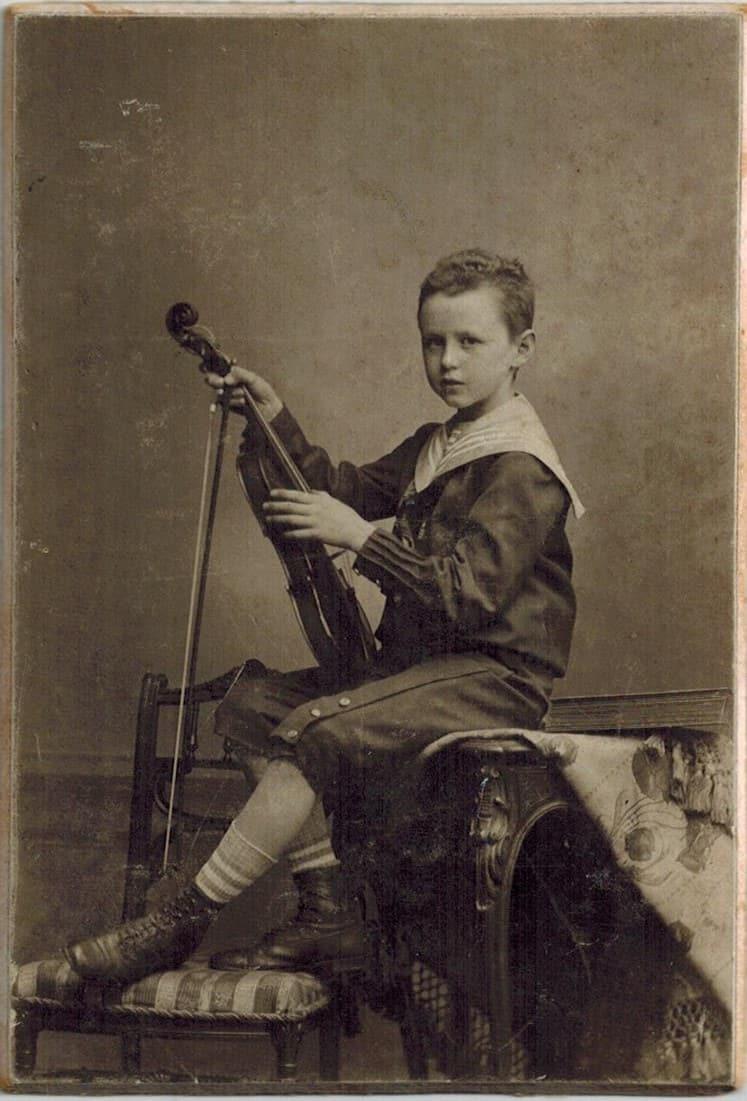 Felix and his violin