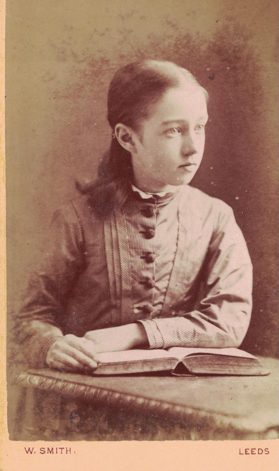 studious-girl